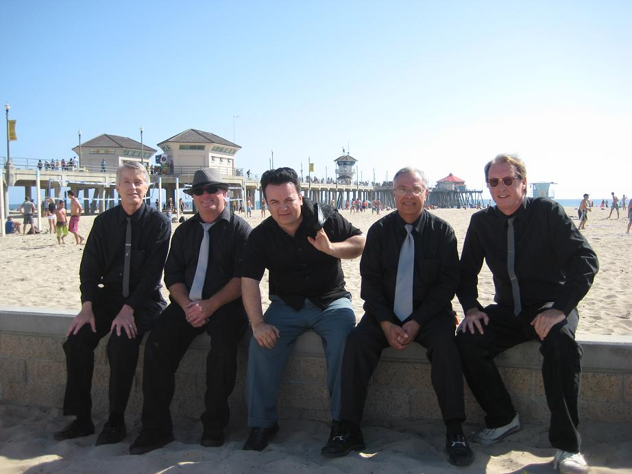 THE_MEN_OF_MYSTERY_HB_PIER_PLAZA_05022010.JPG